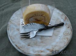 Roll-cake.jpg