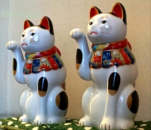 二体の招き猫ケイタマルヤマ