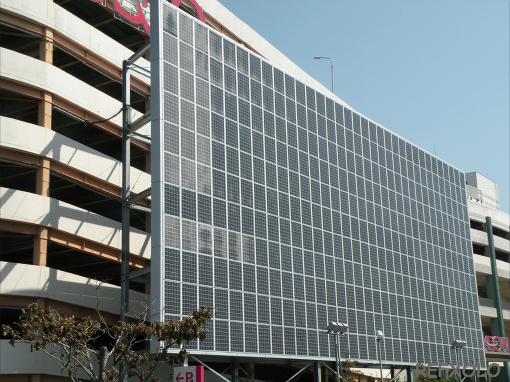 写真:イオンモール志都呂の巨大太陽光発電システムの画像