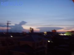 写真:ゴジラ出現に見える雲と景色の画像2