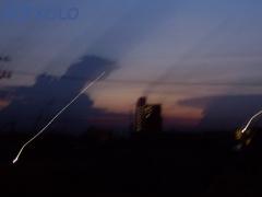 写真:ゴジラ出現に見える雲と景色の画像3